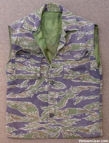 A Late War, Heavyweight Dense pattern (LHD) combat vest / body warmer