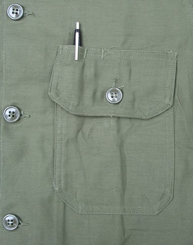 The left patch pocket of the P63 Utility Shirt featured a pen pocket.