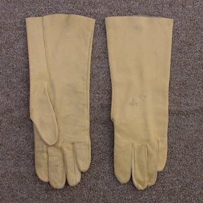 The Navy's leather B-3A gloves caused excessive perspiration in Vietnam's tropical climate.
